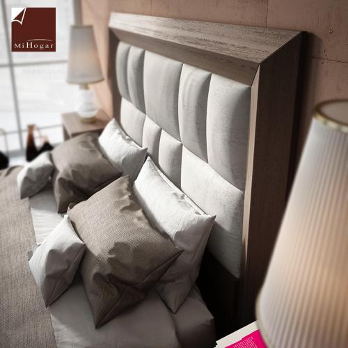 cabecero-doble-inglete-roble-poro-tapizado-rectangulos-dormitorio-detalle-formas